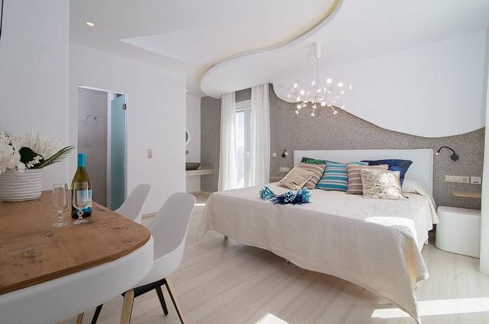 Spiros Naxos Hotel, Superior Suites with pool view